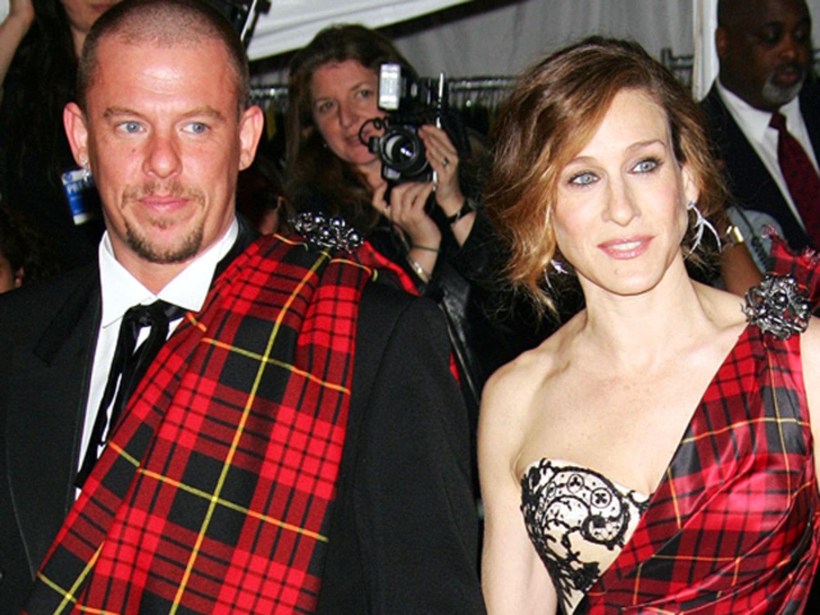 Image: Sarah Jessica Parker with designer Alexander McQueen