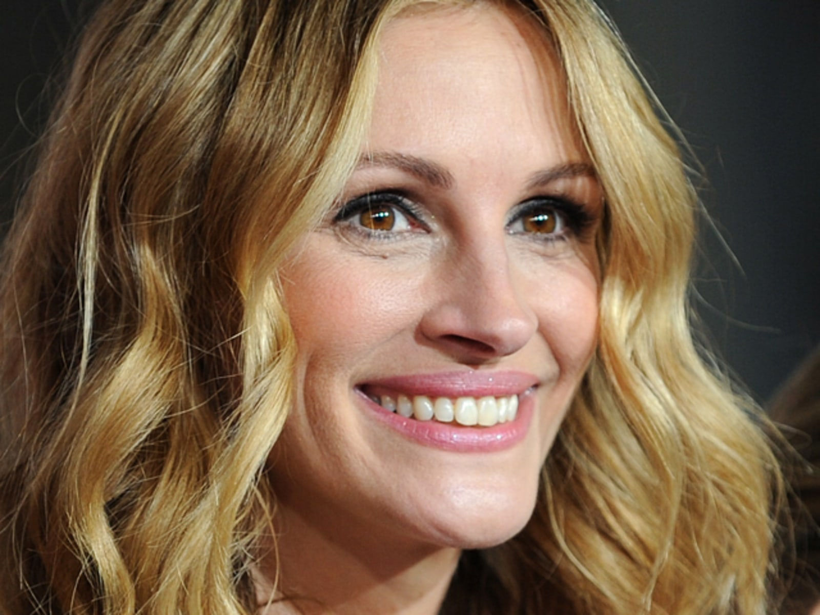 Actress Julia Roberts arrives with her n