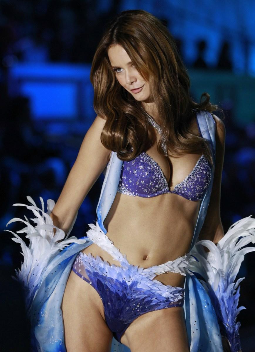 Victoria S Secret Fashion Show Chanel