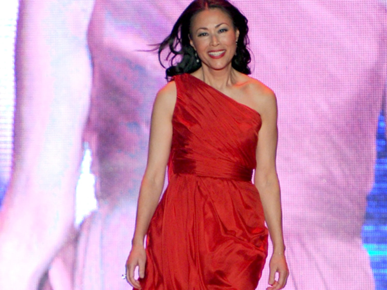 Image: Heart Truth - Runway - Fall 2011 Mercedes-Benz Fashion Week