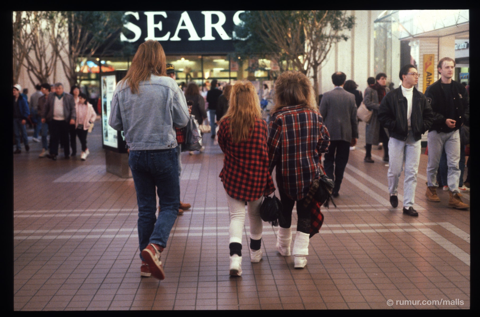 """malls in america Some people may say that malls are a dying breed and online  the mall of  america is what happens when a mall decides """"you know what,."""