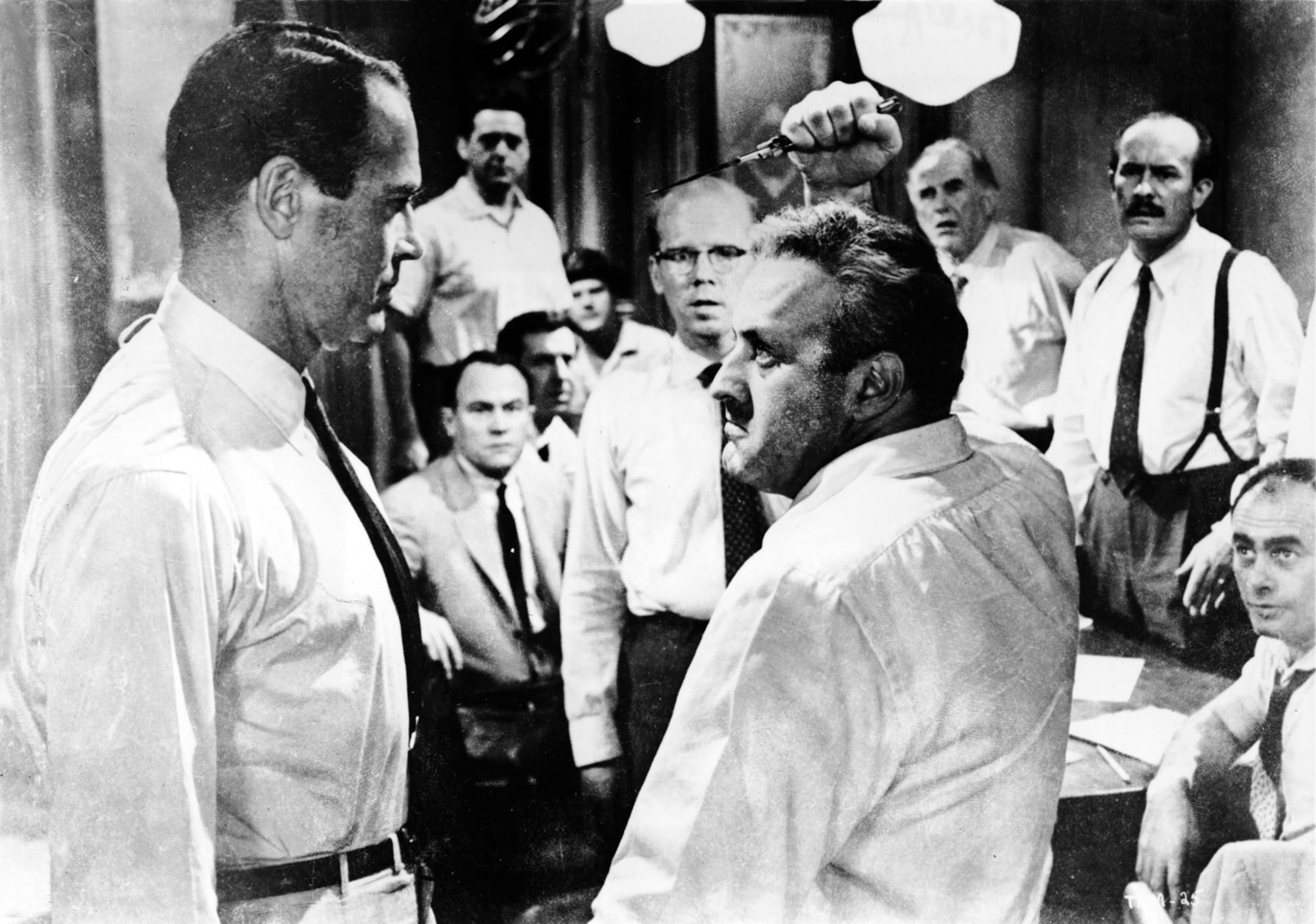 12 angry men juror 3 Prejudice, fair justice - comparing and contrasting juror 3 and juror 8 from twelve angry men.
