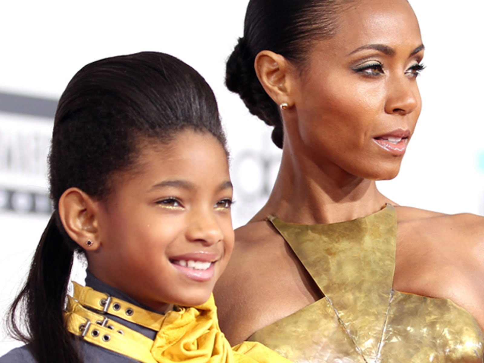 Willow Smith (L) and Jada Pinkett Smith