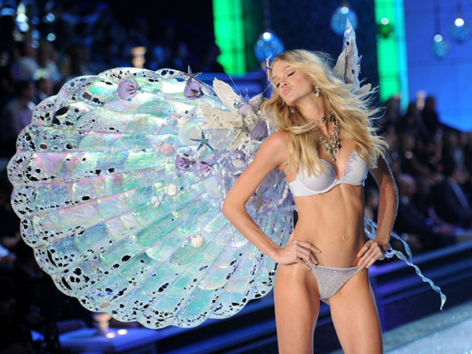 Image: 2011 Victoria's Secret Fashion Show - Runway