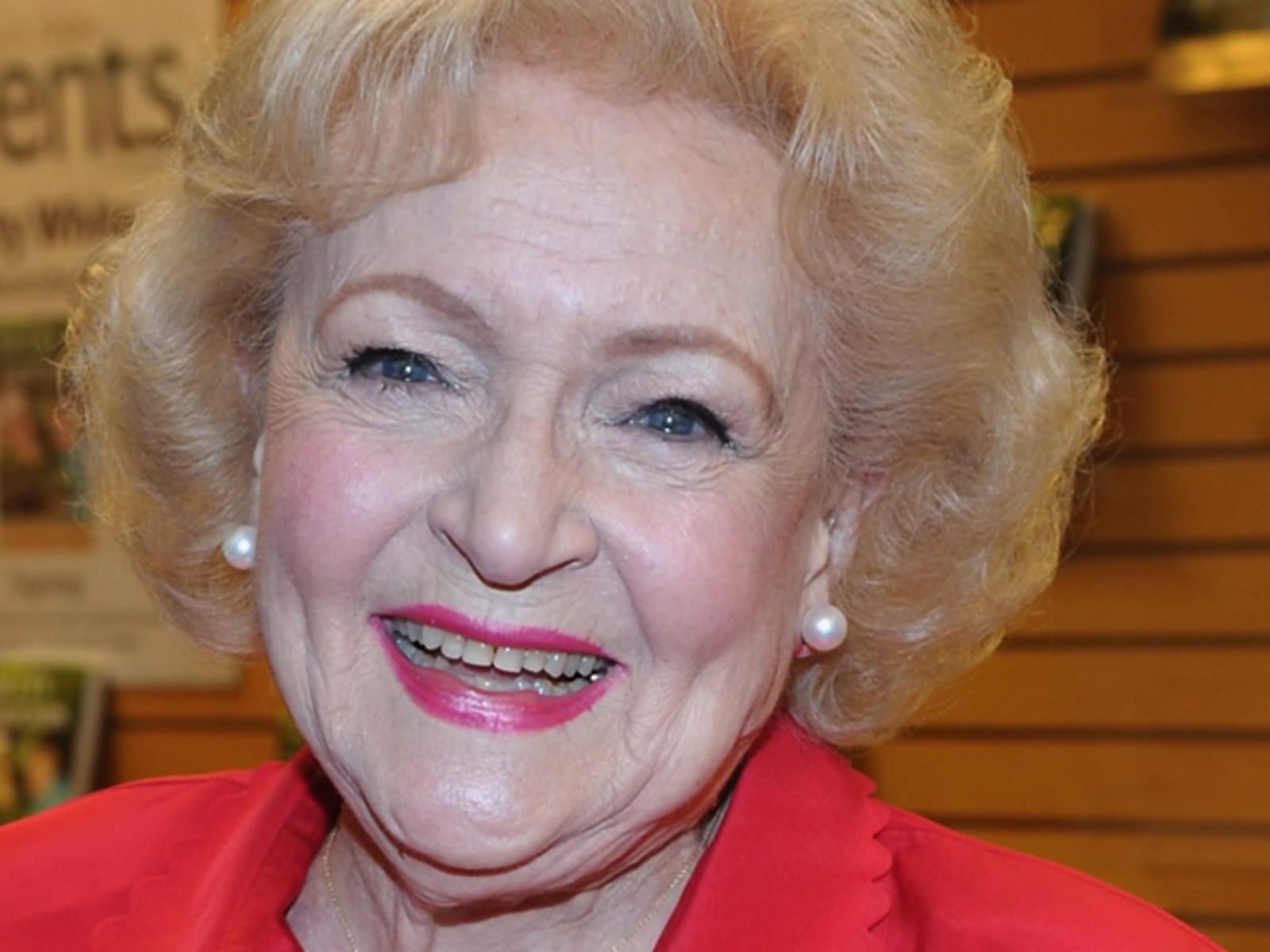 "Image: Betty White ""Betty & Friends: My Life At The Zoo"""