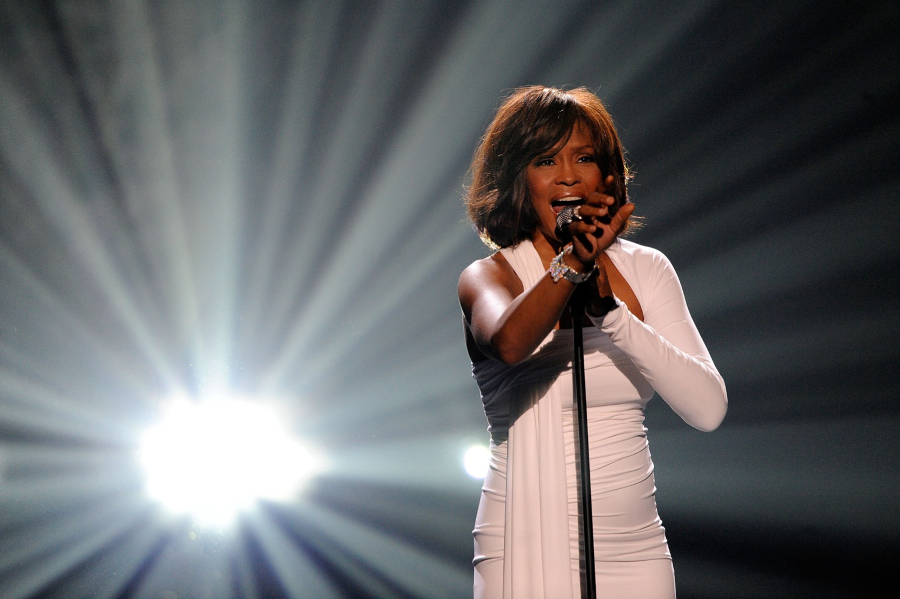 a biography of whitney elizabeth houston a grammy award winning american This pin was discovered by timothy harlow discover (and save) your own pins on pinterest.