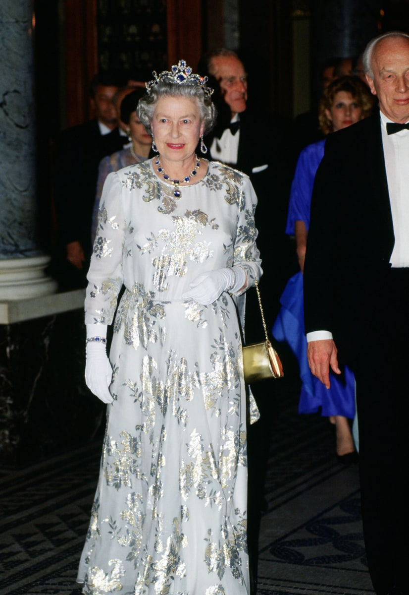 Queen Elizabeth celebrates 60th coronation anniversary ...