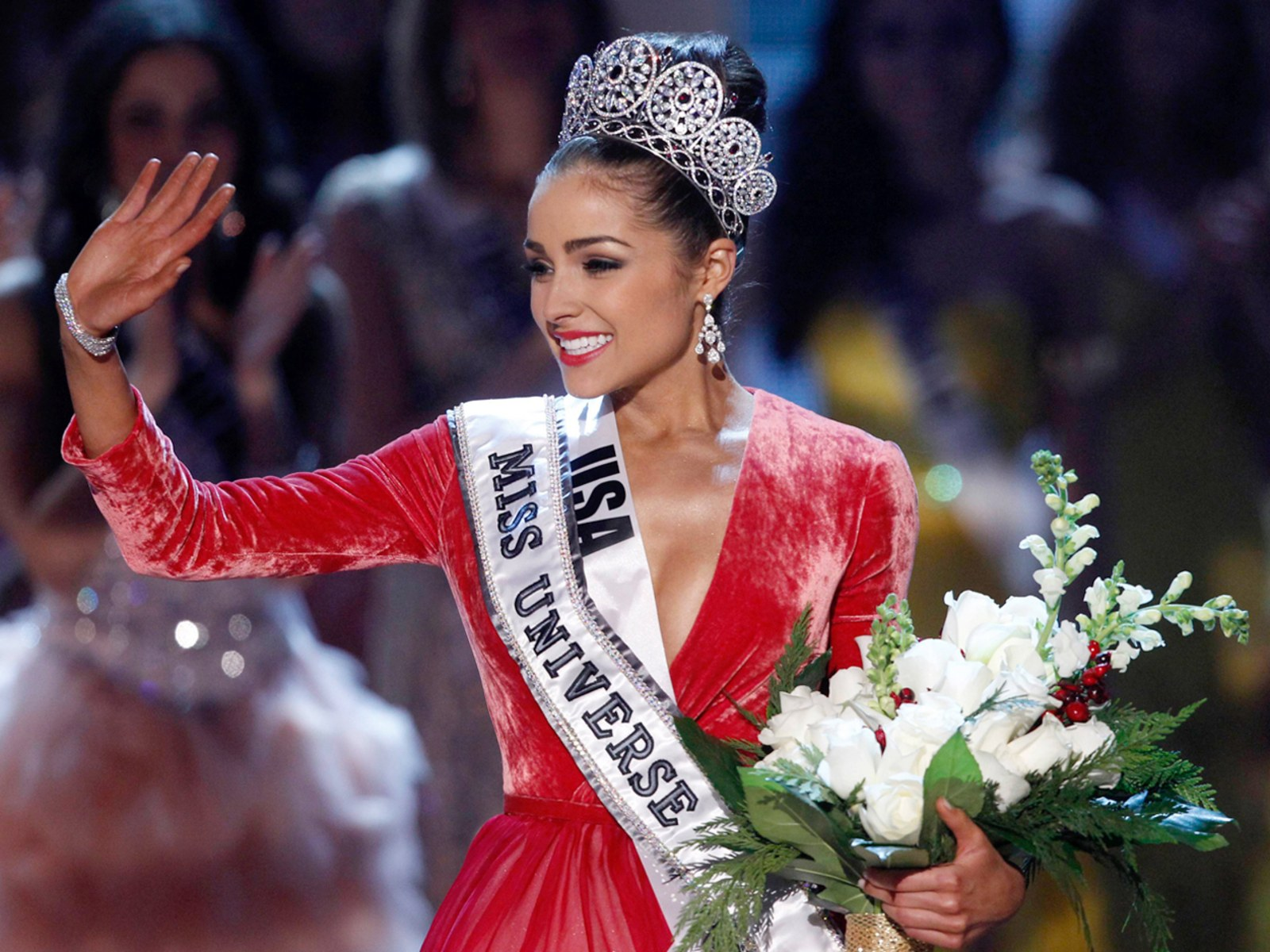 Image: Miss USA Culpo waves after being crowned during the Miss Universe pageant in Las Vegas