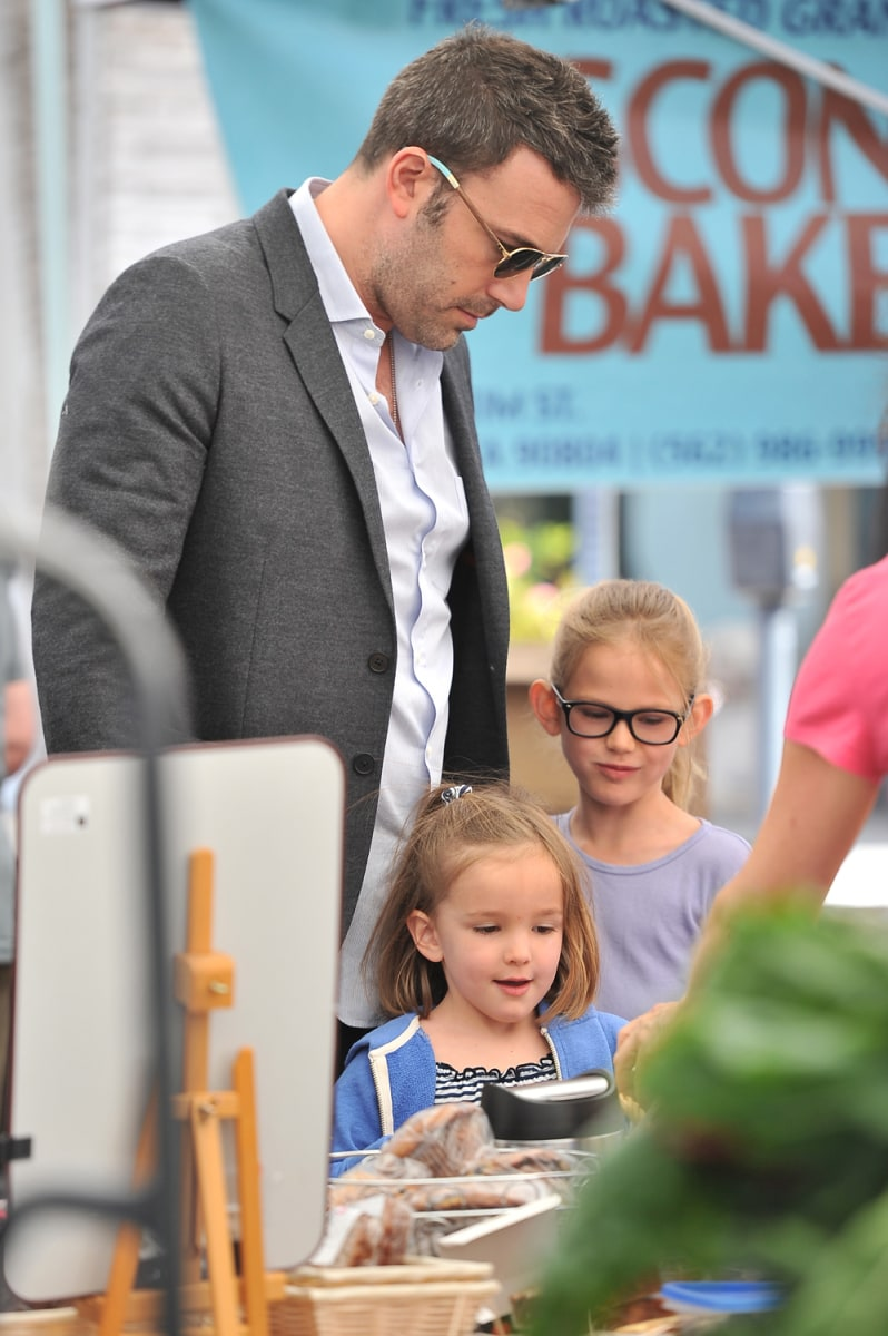 Ben Affleck takes his daughters Violet and Seraphina to the farmer's market in Santa Monica