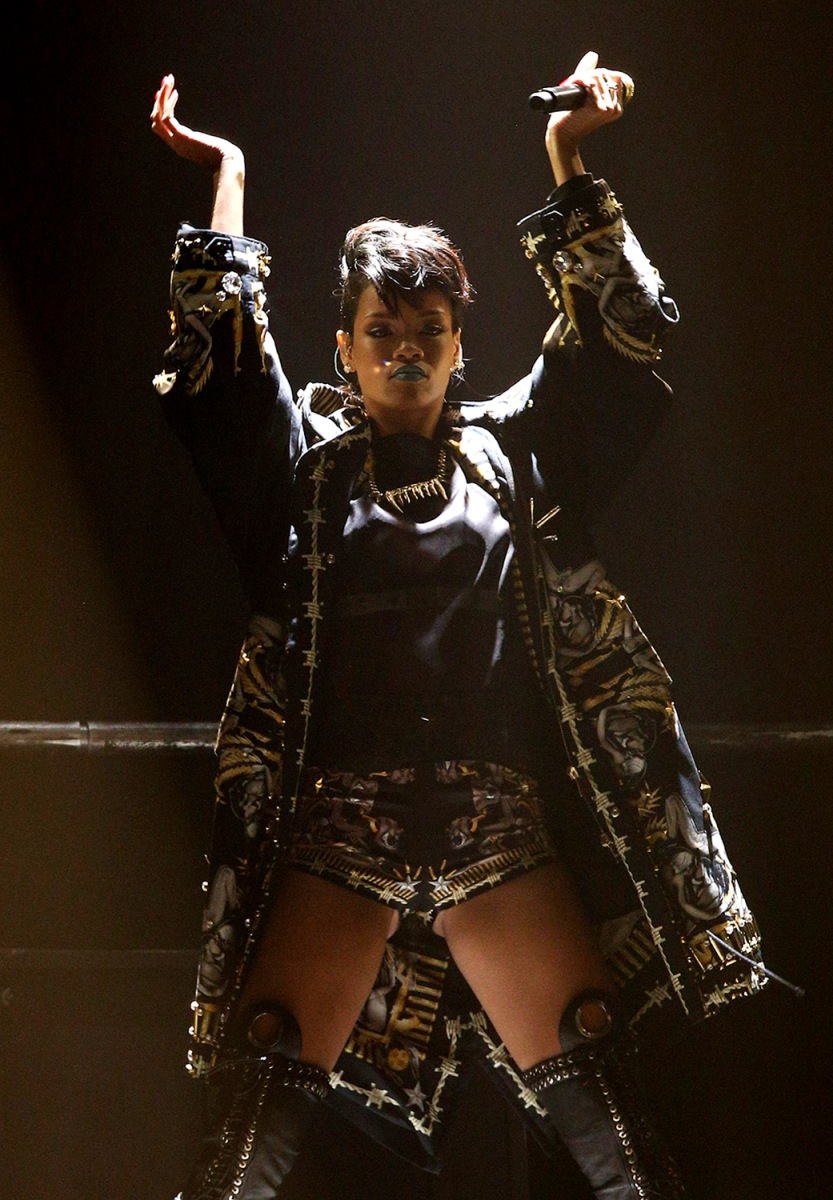 Image: Rihanna Performs Live In Sydney