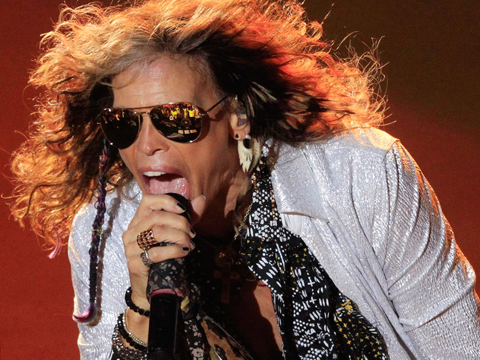 Image: Steven Tyler of U.S rock band Aerosmith performs at Montevideo Centenario Stadium