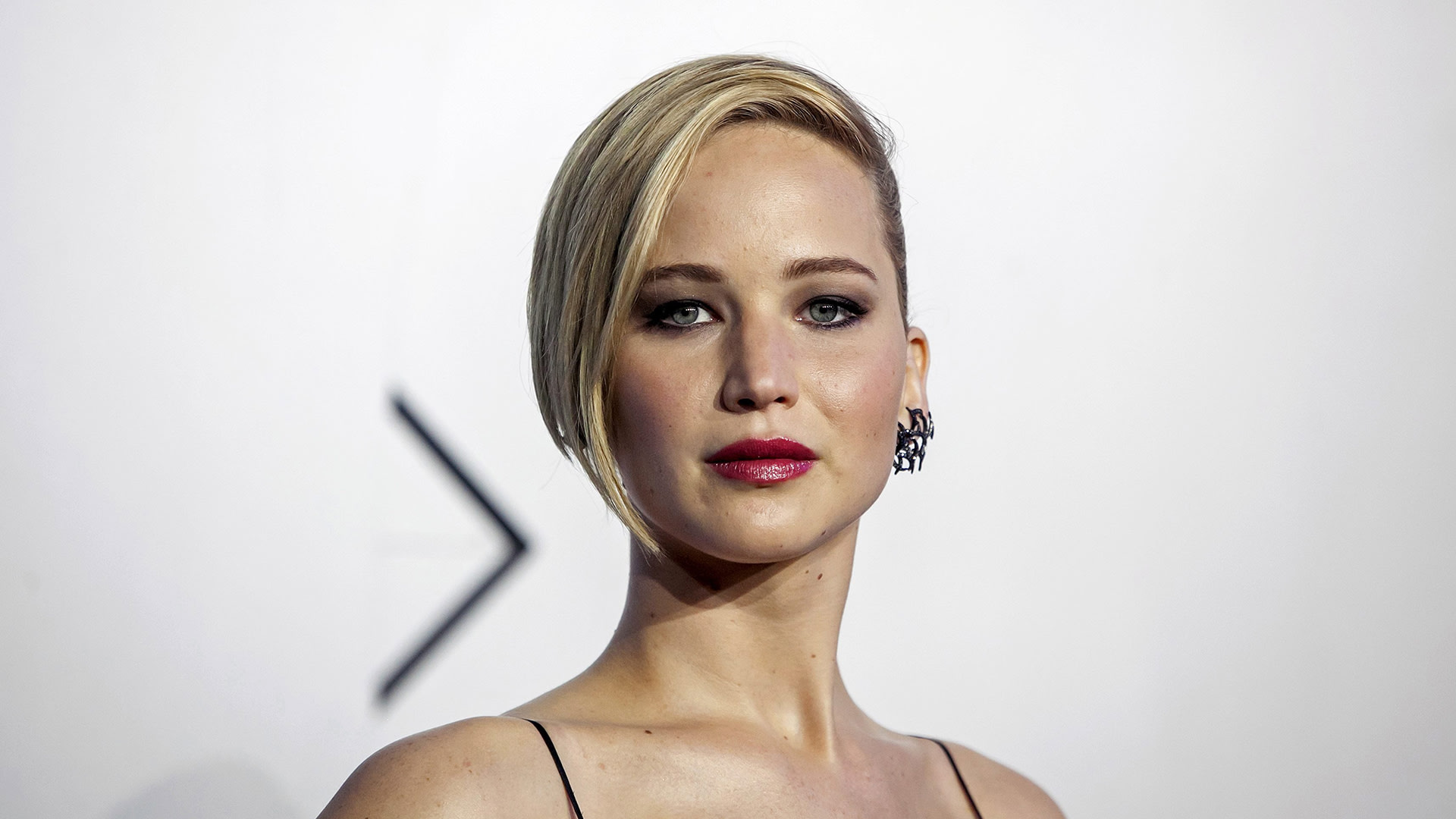 """Image: Actress Jennifer Lawrence attends the """"X-Men: Days of Future Past"""" world movie premiere in New York"""