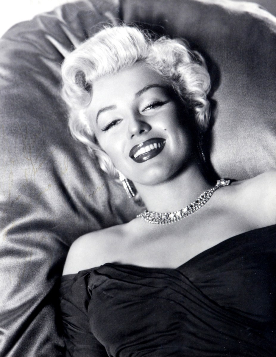 todays marilyn monroe essay This paper discusses the mystery of marilyn monroe's deathmarilyn monroe was a famous hollywood star during the 1950s she thrilled her fans through films that she.