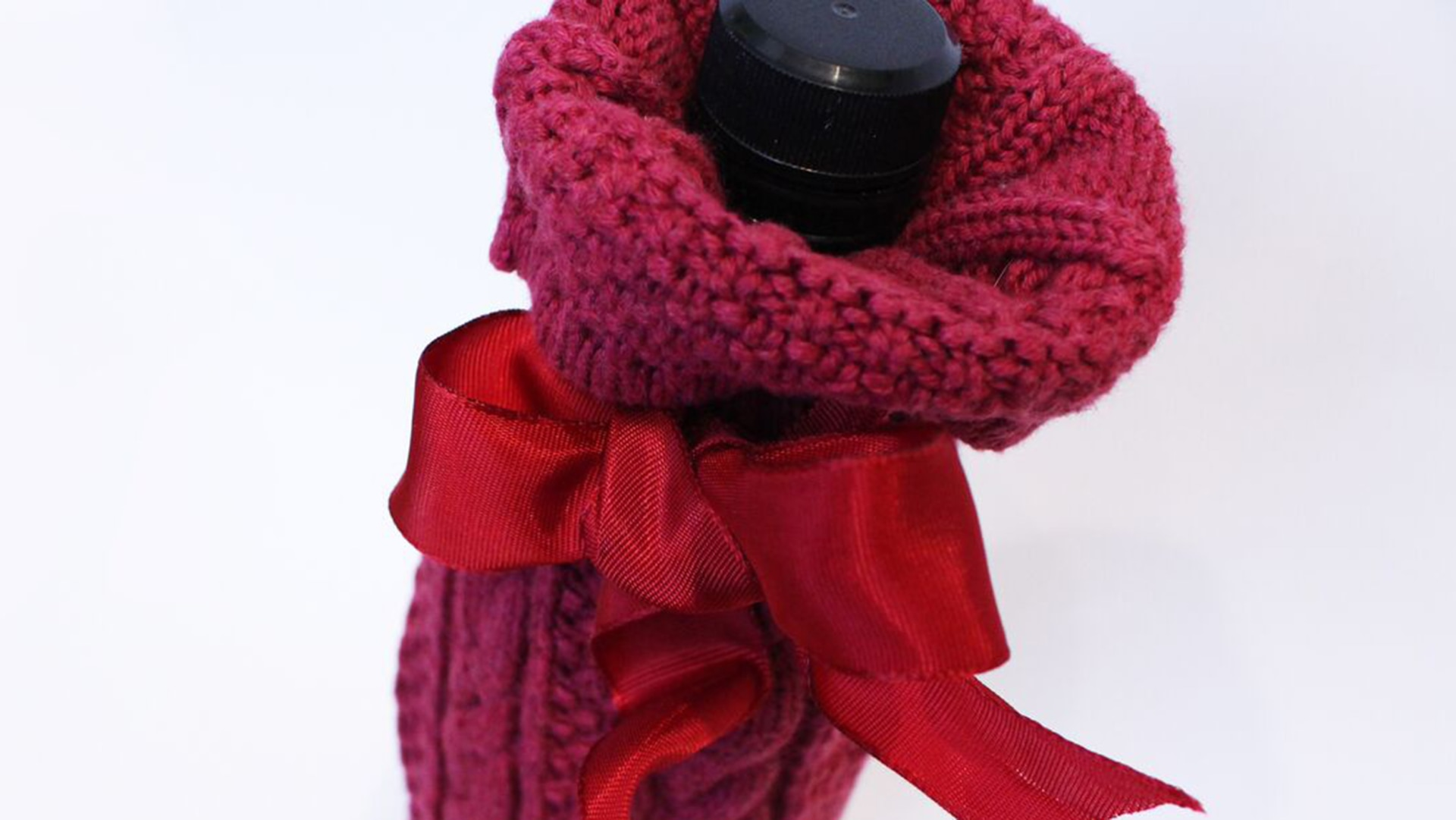 Wine Gift Wrapping Ideas Part - 39: Gift Wrapping Ideas From Your Closet: Give Your Wine Its Own Sweater