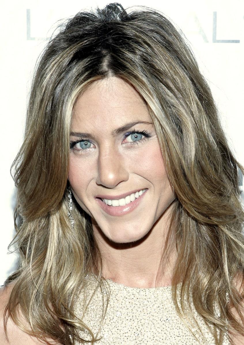 Jennifer Aniston S Hairstyles Amp Hair Evolution Today Com