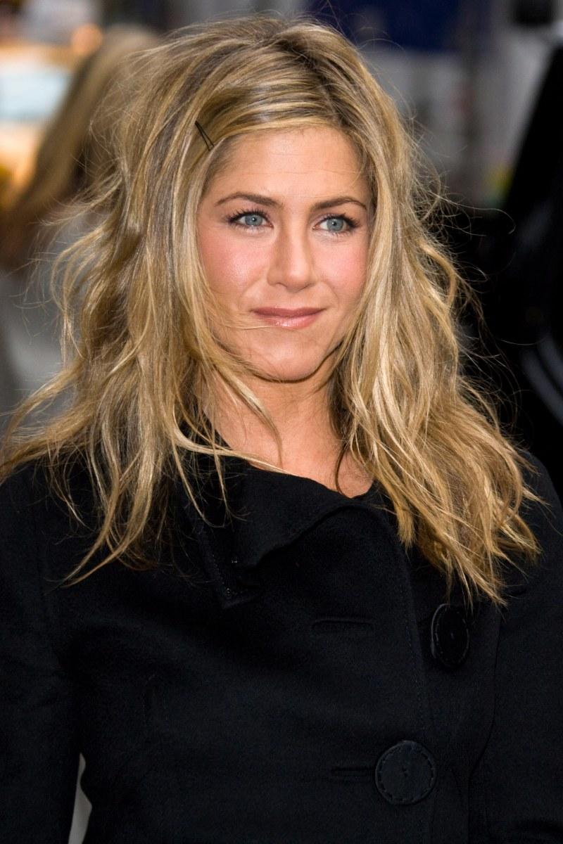 Jennifer Aniston's hair: From 'The Rachel' to her ... Jennifer Aniston