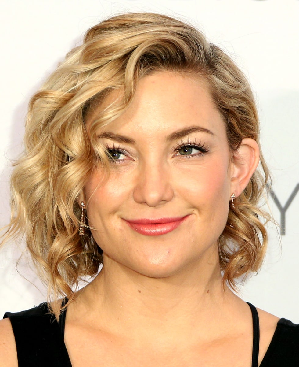 kate hudson haircut s hair goes from a bob to a shag see the 1425