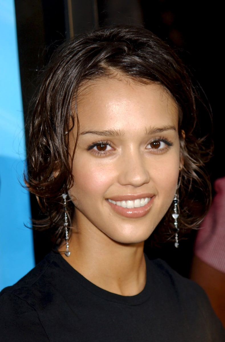 jessica alba 39 s hairstyles hair evolution. Black Bedroom Furniture Sets. Home Design Ideas