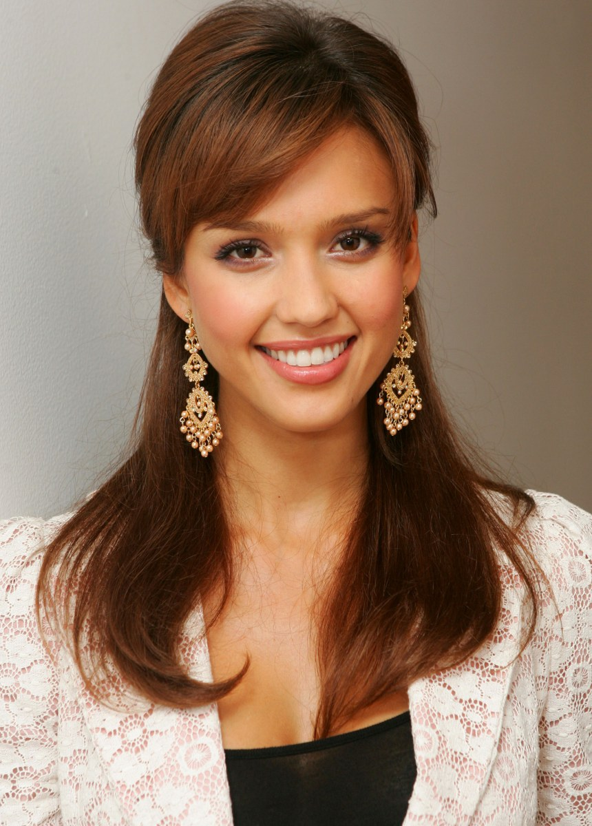 Jessica Alba S Hairstyles Through The Years Today Com