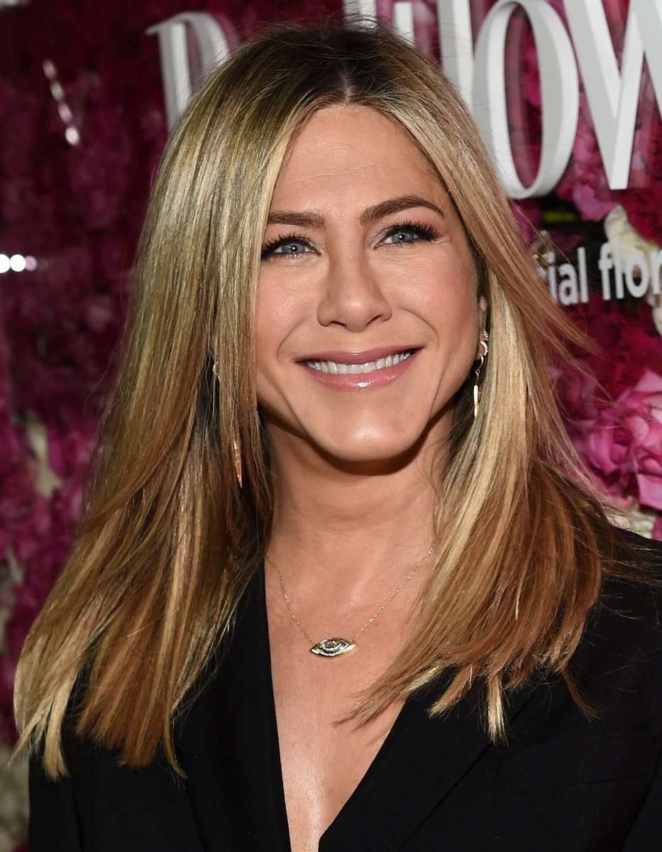 Long hairstyles for 2016: Jennifer Aniston, Selena Gomez ... Jennifer Aniston