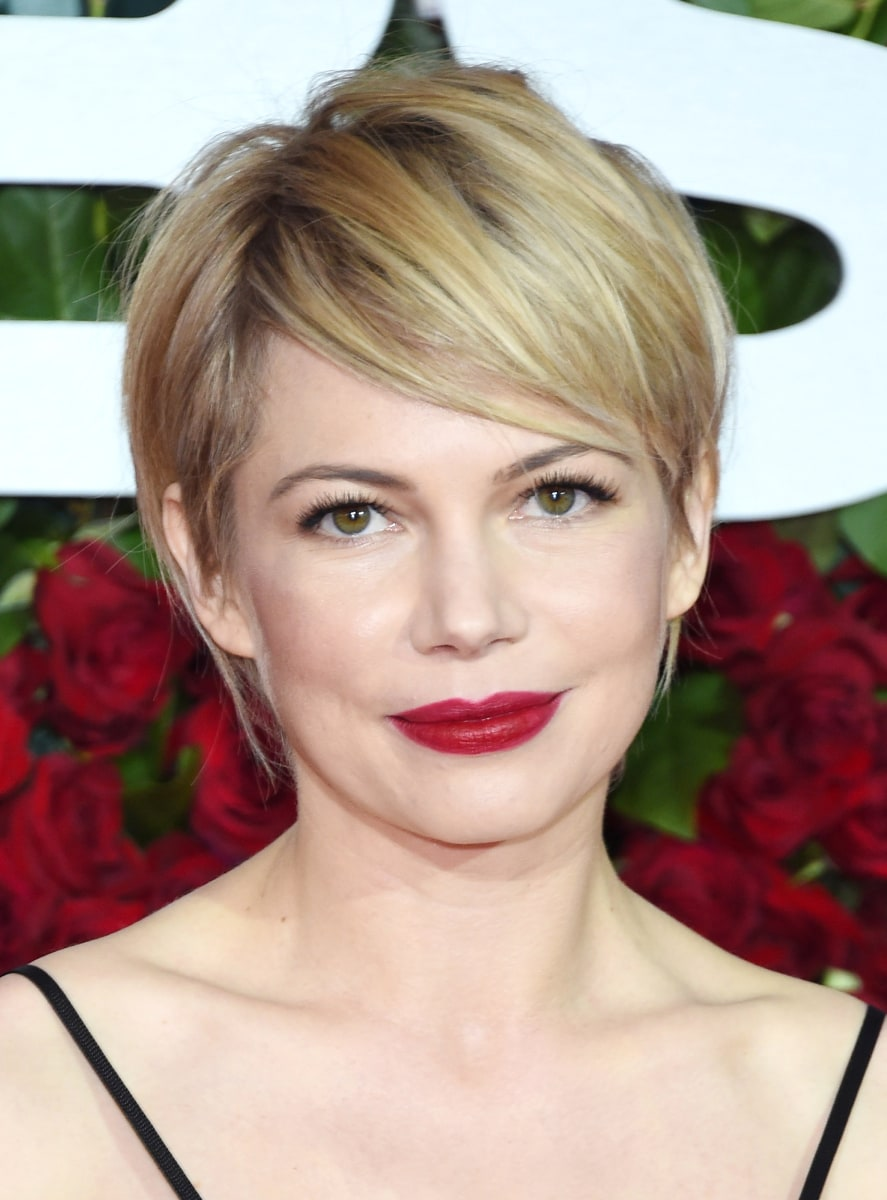 28 haircuts for round faces inspired by celebrity styles ...