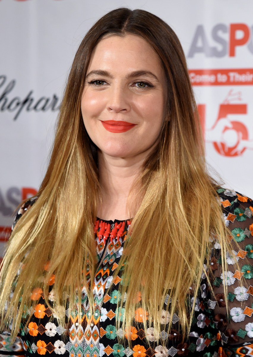 Drew Barrymore S Hair Evolution From E T To Big Shot