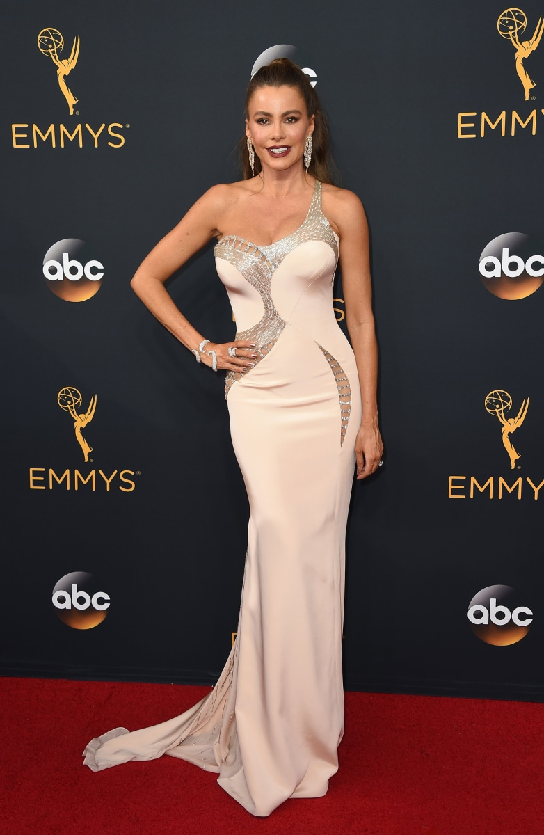 Emmys 2016 red carpet: See the best-dressed stars! - TODAY.com Emmy Awards