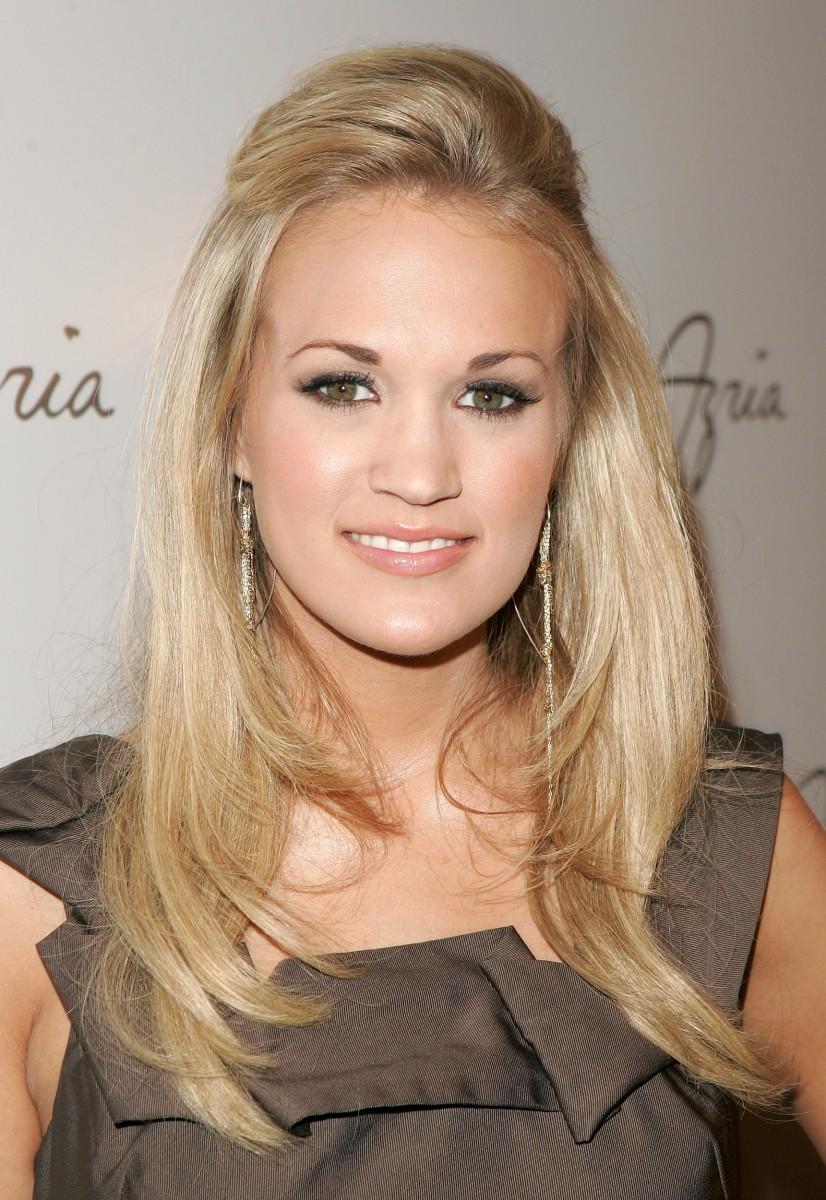 Carrie Underwood Nude Photos 84