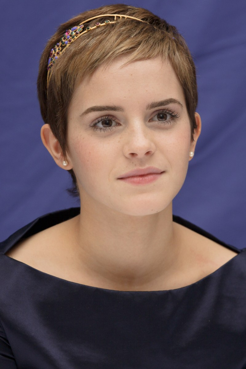 Emma Watson reacts to dress she wore to 'Harry Potter ... Emma Watson