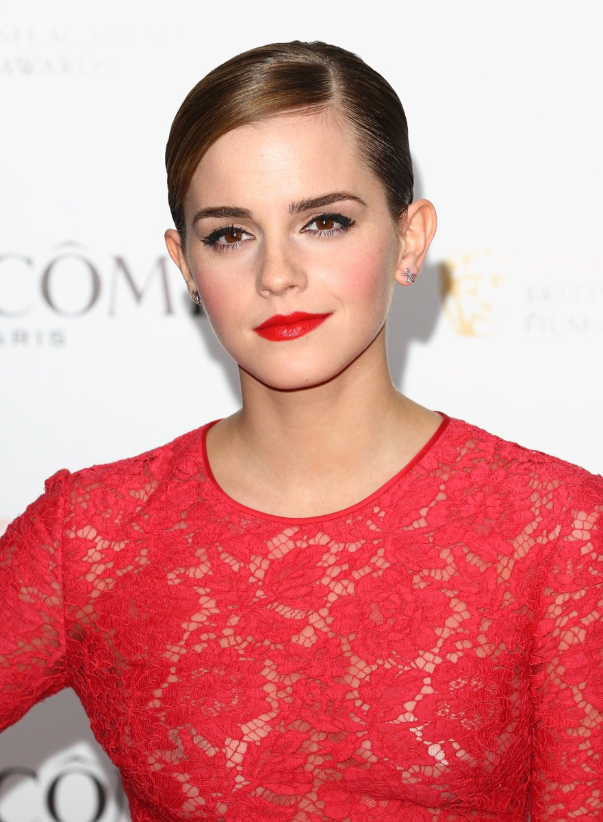 Emma Watson reacts to dress she wore to 'Harry Potter' premiere ...