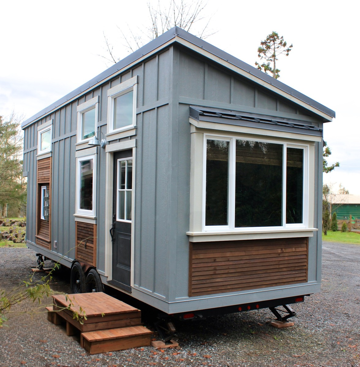 siding for house this tiny home has its own pizza oven inside today 28991