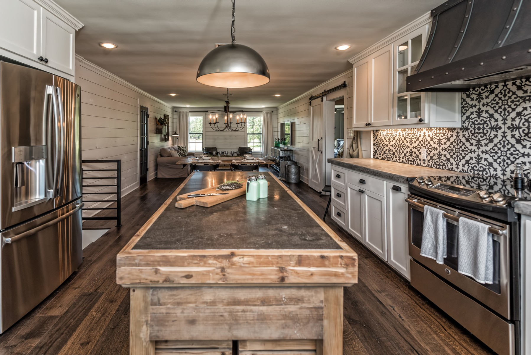 Fixer upper barndominium kitchen - Tour The Barndominium From Fixer Upper