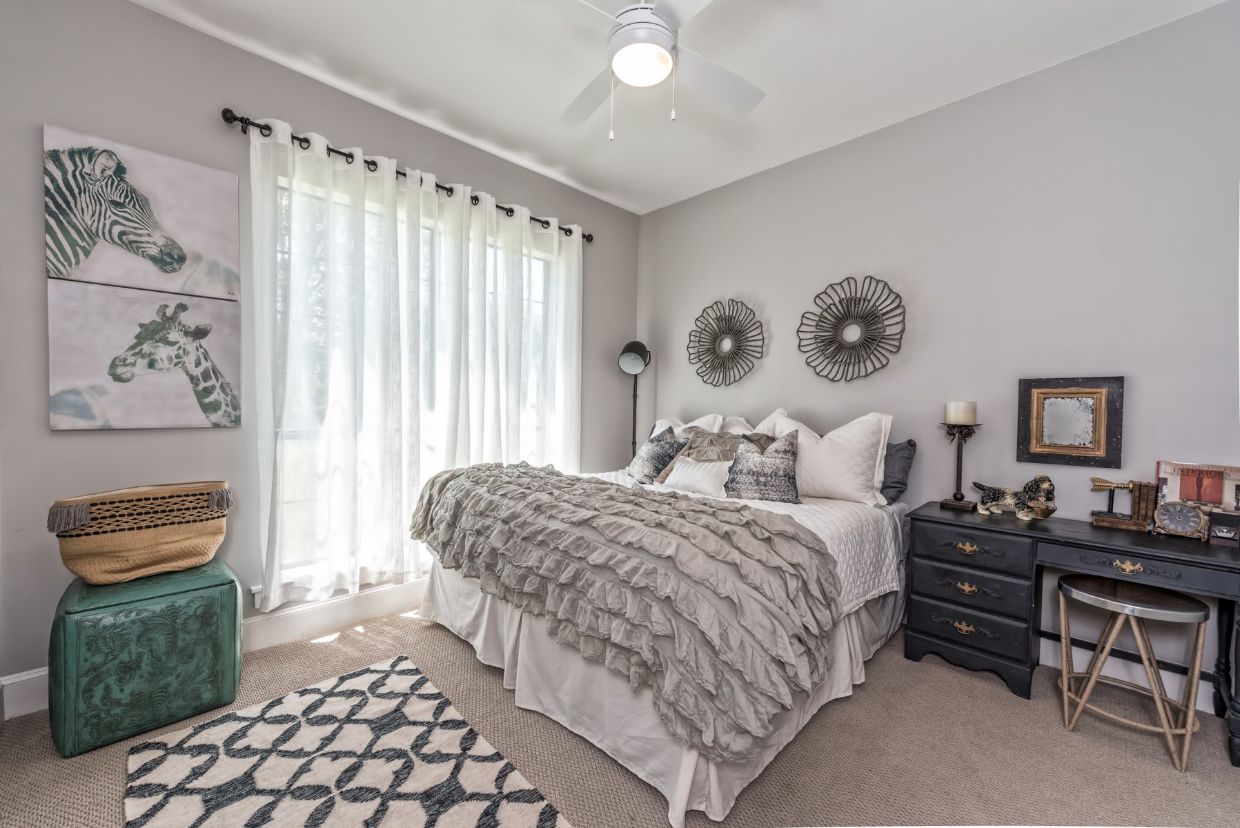 Tour the 39 barndominium 39 from 39 fixer upper 39 for Bedroom pictures