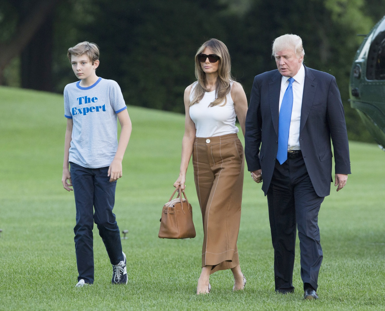 White House unveils Melania Trump's first official ...