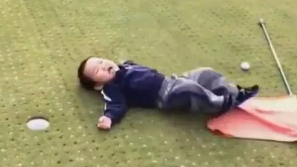 Watch: Boy flips out after missing short putt - TODAY.com
