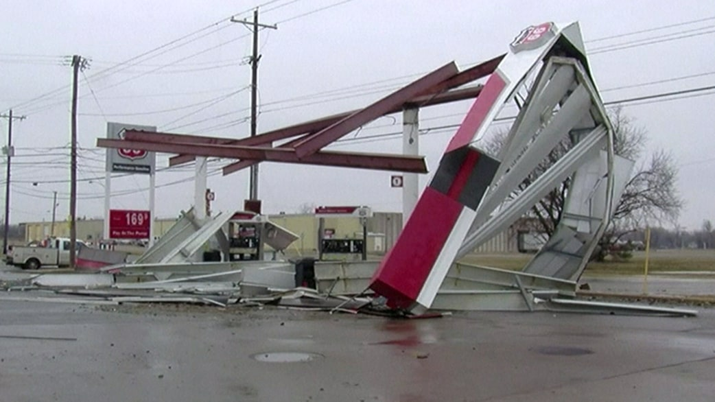 & Gas station canopy collapses in water main break - TODAY.com