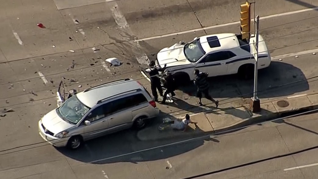 Watch: Wild Texas car chase ends in crash - TODAY.com