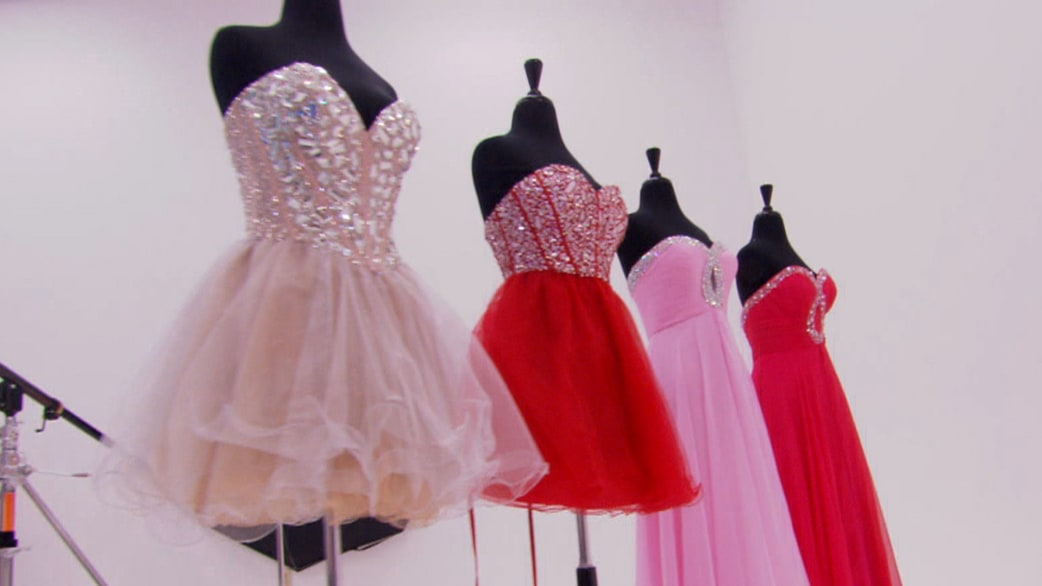 Rossen Reports: Scammers target teens with fake prom dresses ...