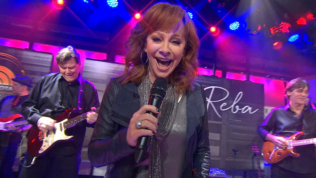 Reba Mcentire Belts Out 'turn On The Radio' Todayrhtoday: By Reba Mcentire Turn On The Radio At Elf-jo.com