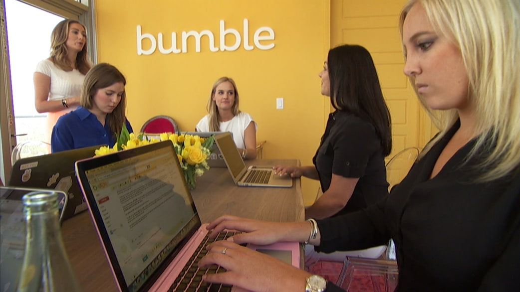 nieuwe dating app bumble Tinder's parent company match group is suing competitor bumble, accusing the female-friendly dating app of patent.