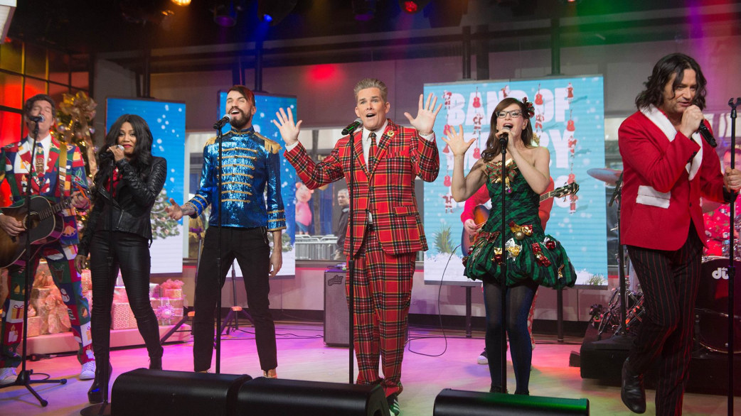 watch band of merrymakers sing a very merry medley live on today. Black Bedroom Furniture Sets. Home Design Ideas