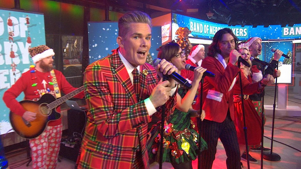 mark mcgrath band of merrymakers perform holiday in la live on today. Black Bedroom Furniture Sets. Home Design Ideas