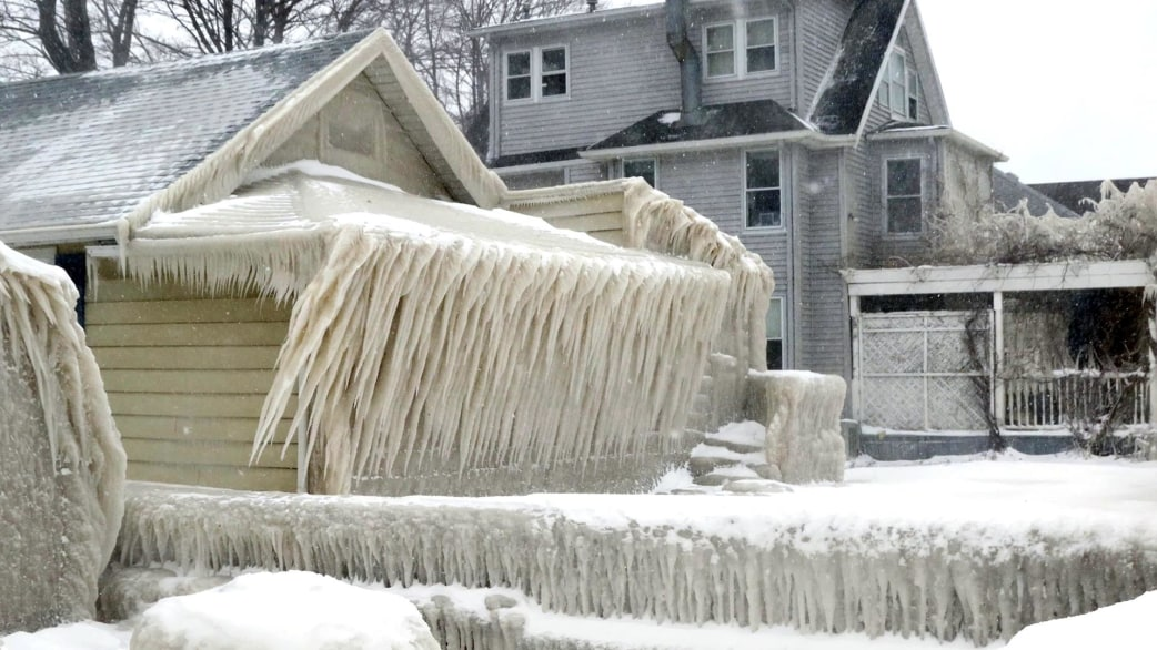 This upstate new york home is covered in ice for Lake house upstate ny