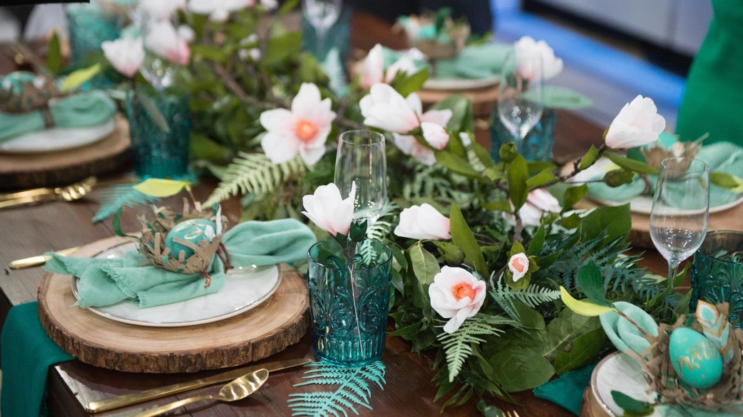 Greenery runner diy linen napkins setting the perfect easter greenery runner diy linen napkins setting the perfect easter table today negle Image collections