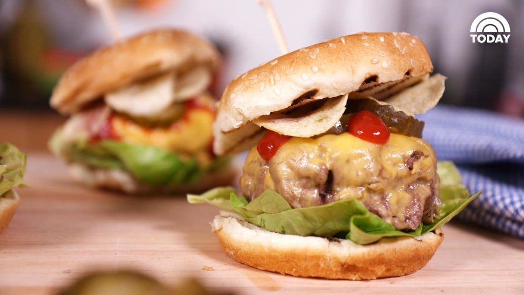 Here Are Bobby Flay S Secrets For Making The Best Burger Ever Today