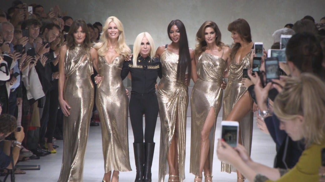 How Do Fashion Designes Get Paid And How Much