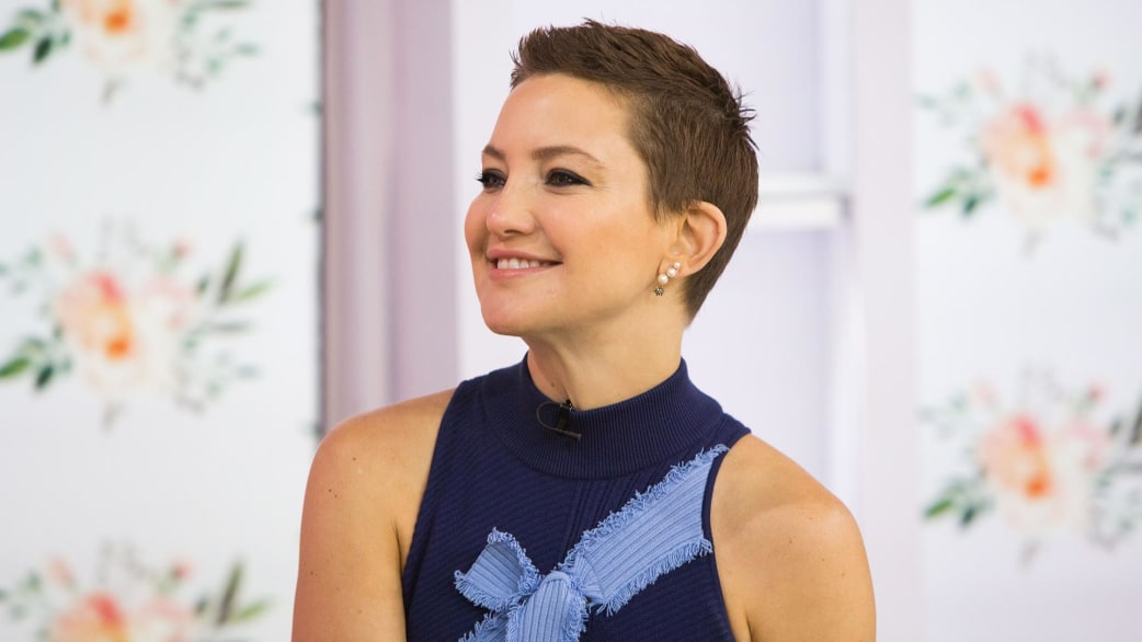 Kate Hudson talks about her new book (and tastes coffee ... Kate Hudson Haircut