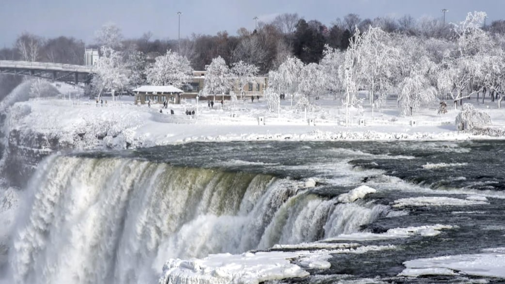 Massive winter storm looms for east coast as cold snap for East coast winter getaways