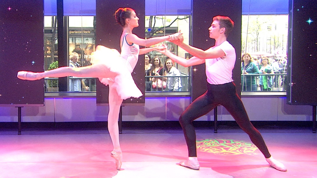 'Strictly Ballet' dancers perform beautiful routine