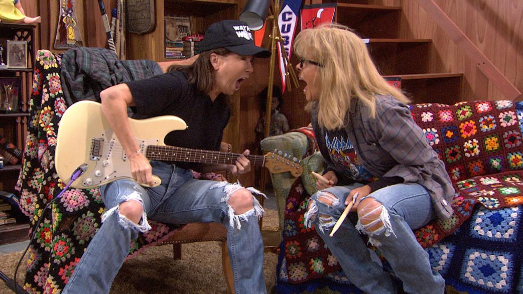 Hoda, KLG rock it out as Wayne and Garth